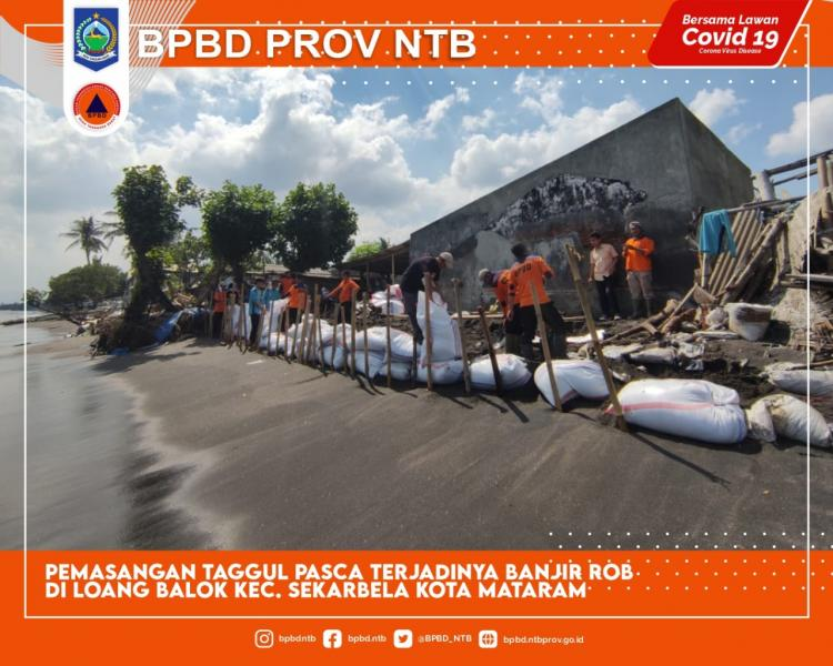Tim Siaga Bencana Melakukan Penanganan Banjir Rob Loang Baloq